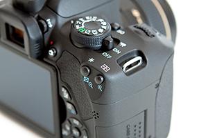 Canon-T5i-700D-Experience-Body1